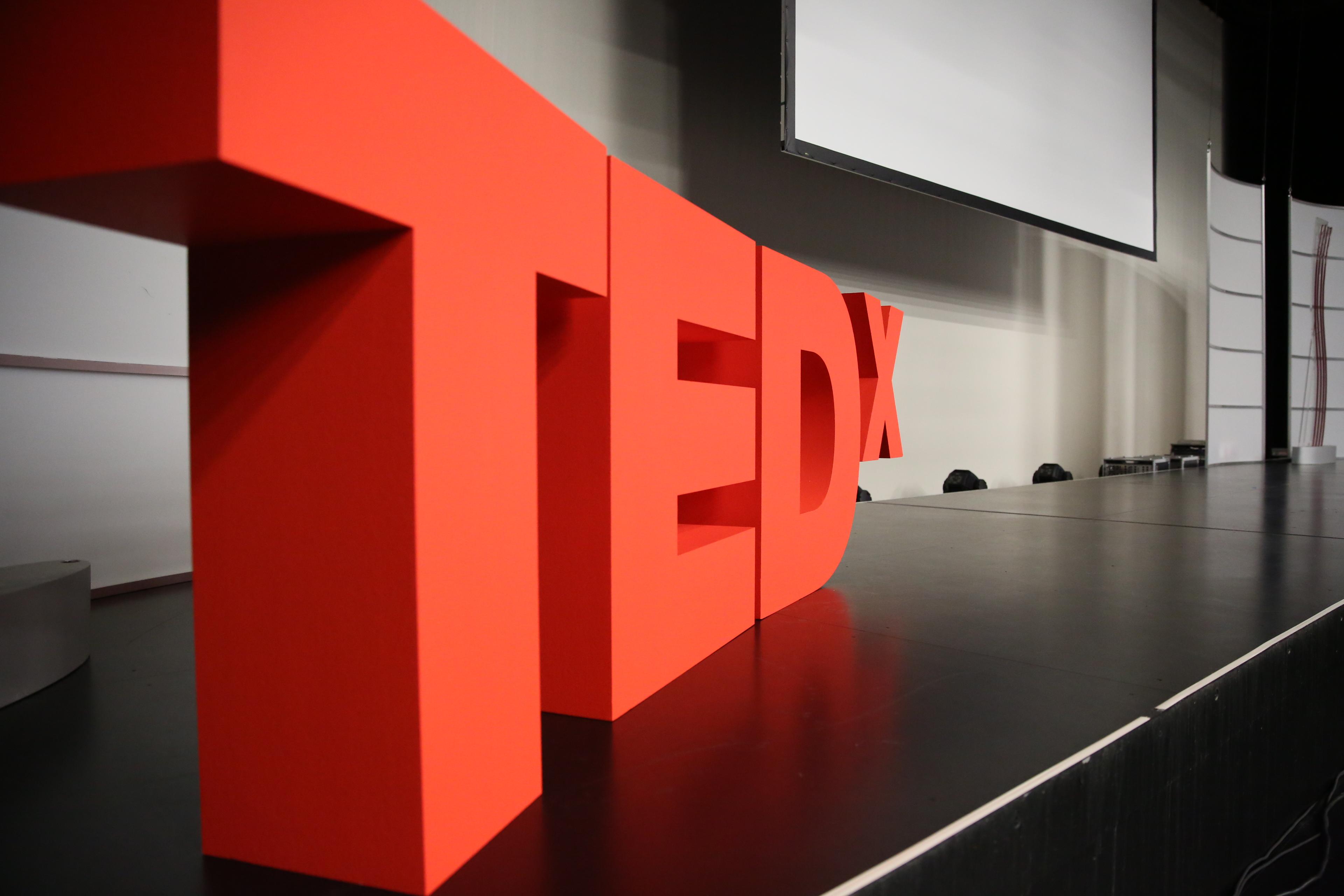 Tedx zurich tabimonogatari for Furniture 6 letters